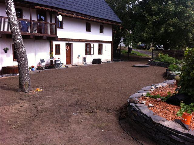 Zahrada_2012_004_01